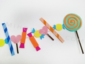 Arrange paper candies however you like.